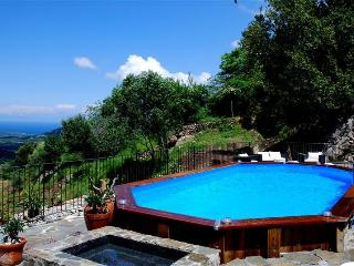 Bright Costa vacation Gite with Internet Access - Costa vacation rentals