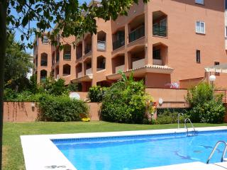 GORGEOUS APARTMENT 8MIN.TO BEACH,POOL,WI-FI. - Torremolinos vacation rentals