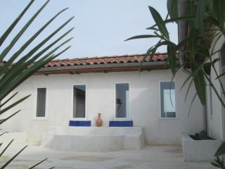 Bright 5 bedroom Gers House with Internet Access - Gers vacation rentals