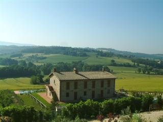 Beautiful Condo with Internet Access and Central Heating - Todi vacation rentals