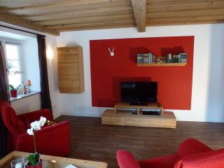 Nice Condo with Internet Access and Dishwasher - Schoenau am Koenigssee vacation rentals