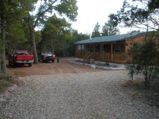 3 bedroom Cabin with Deck in Paige - Paige vacation rentals