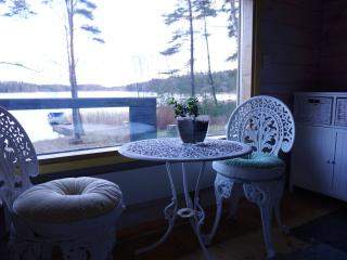 Lovely 1 bedroom Kirkkonummi Cottage with Internet Access - Kirkkonummi vacation rentals