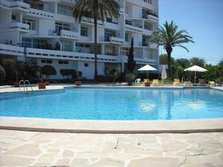 Cozy 2 bedroom Siesta Apartment with Satellite Or Cable TV - Siesta vacation rentals