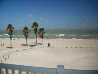 Nice Beach Condo 2126 - Sleeps 4 Adults 2 Kids - Corpus Christi vacation rentals