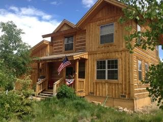 Cozy Grand Lake Cottage, Sleeps 8 -3 bed, 2.5 bath - Grand Lake vacation rentals