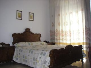 Beautiful Bed and Breakfast with Internet Access and Central Heating - Lanjaron vacation rentals