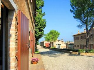 Casa Giobatta D - Asciano vacation rentals