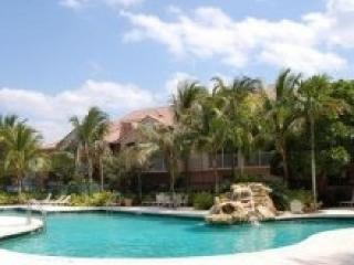 Great Tonwhouse with Patio - Resort Style Complex - Weston vacation rentals