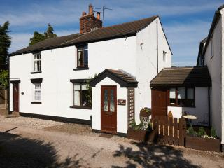 Charming Cottage with Grill and Microwave in Great Eccleston - Great Eccleston vacation rentals
