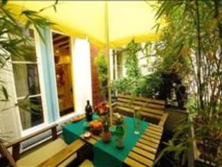 Beautiful Studio with Balcony in the Center of Paris - Paris vacation rentals