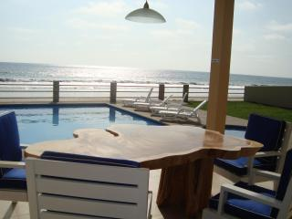 New Luxury Beachfront Villa with Swimming Pool & O - Montanita vacation rentals