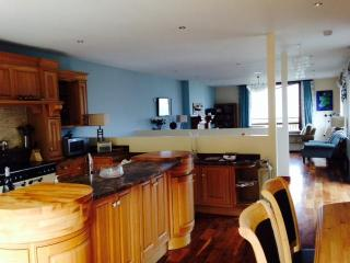 "Stunning peace of Heaven ""hidden Gem"" Carlingford - Carlingford vacation rentals"