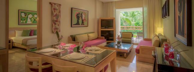 Living room - Grand Mayan Cancun Riviera Maya – 2BR/2BA - Playa del Secreto - rentals