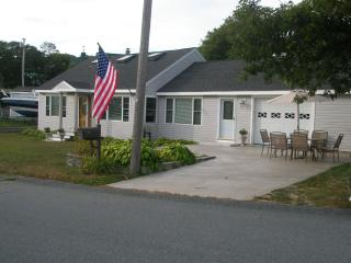 Immaculate Waterview Home Offering Family Comfort - Bourne vacation rentals