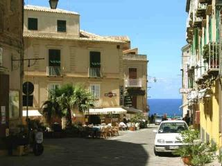 Lovely studio by the sea - Tropea vacation rentals