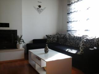Apartment Nora 6+0,Postira - Postira vacation rentals