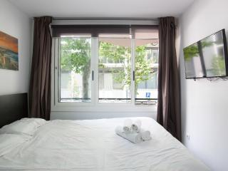 Cosy and modern studio in the centre - Catalonia vacation rentals