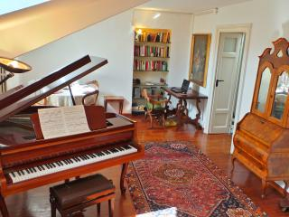 AleEle - in the heart of Ticinese district - Milan vacation rentals
