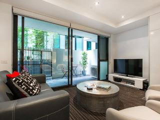 Parkside Glam  2 BR FREE WIFI - St Kilda vacation rentals