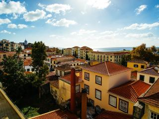 The old towm apartment, Bela Santiago 3.6 - Funchal vacation rentals