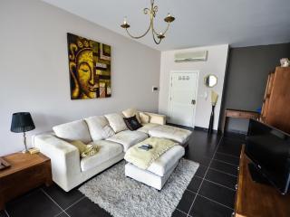 Super Modern 2 Bed Apartment in St.Julians/Swieqi - Swieqi vacation rentals