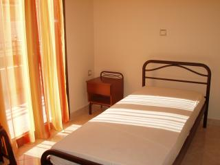 Cozy Apartment with Washing Machine and Television - Argostolion vacation rentals