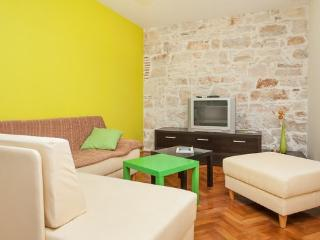Nice Condo with Internet Access and A/C - Pula vacation rentals