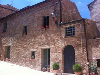 Casa Carceri Vecchie - Santa Vittoria in Matenano vacation rentals