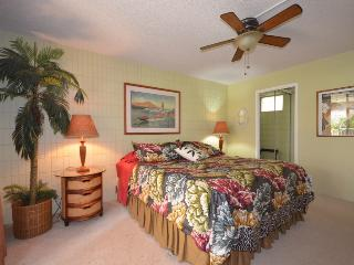 Beautiful Unit,Great Location- Steps to the Beach! - Kihei vacation rentals