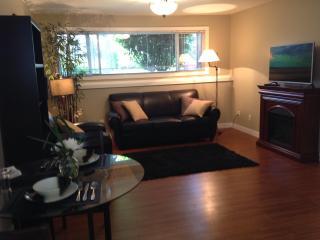Sidneys Executive Suite by the Sea - Sidney vacation rentals