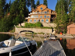 "Priest Lake Idaho ""Ravenwood"" Lux Lakefront Home - Priest Lake vacation rentals"