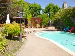 Sonoma Vacation Retreat W/Pool, Walk to Downtown! - Sonoma vacation rentals