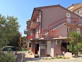 Tomaš Ivan Apartments of Brela / Apartment - Dalmatia vacation rentals