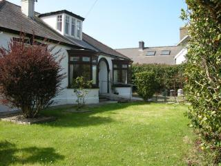Disabled friendly bungalow near beach   WTB 4* - Newport vacation rentals