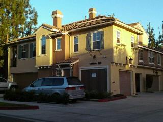 PERFECT AFFORDABLE IRVINE CONDO FOR ALL TRAVELERS! - Irvine vacation rentals