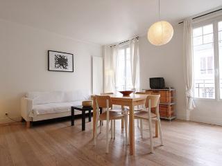 Chez Surcouf, amazing apartment near Eiffel Tower. - Paris vacation rentals