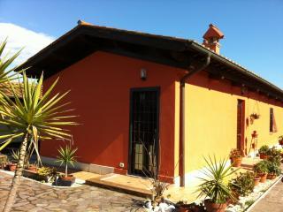 Casa Deluxe due Camere da Letto  Fiumicino - Fiera - Ponte Galeria vacation rentals