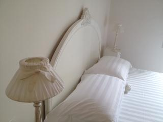 Adorable room for 3 in the heart of Rome!BRAND NEW! Sweety Rome Guesthouse - Rome vacation rentals