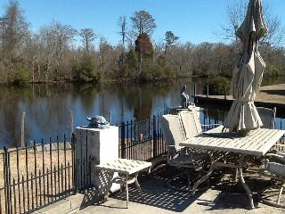 In law suite water front porperty - New Bern vacation rentals