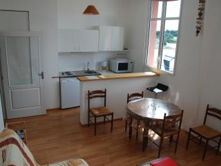 Bright 1 bedroom Vacation Rental in Saint-Quay-Portrieux - Saint-Quay-Portrieux vacation rentals