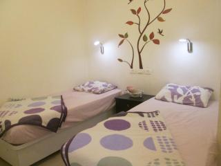 Adorable Cozy Geula Apartment! - Jerusalem vacation rentals