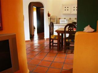 Mixteca 1 Affordable and Cozy - Playa del Carmen vacation rentals