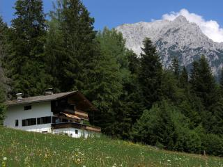 Wunderschön gelegenes Ferienhaus / Beautiful situated Holidayhouse - Kufstein vacation rentals