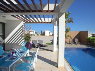 Perfect 3 bedroom Sotira Villa with Internet Access - Sotira vacation rentals