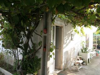 Perfect House with Deck and Satellite Or Cable TV - Sesimbra vacation rentals