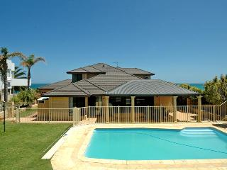 SUNSETS AT SEAQUINS - OCEAN VIEWS - SLEEPS 10 - Mindarie vacation rentals