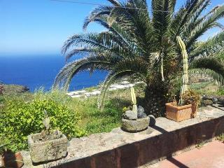 "holiday in ""Dammuso"" (tipical stone house) in Pantelleria - Pantelleria vacation rentals"