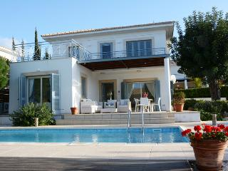 Beautiful 3 bedroom Villa in Latchi with Internet Access - Latchi vacation rentals