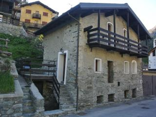 Cosy and antique chalet italian alps - Valtournenche vacation rentals